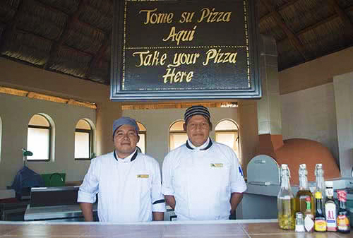Hotel in cabo with Pizza restaurant buffet. royal solaris: royal solaris los cabos. cabo all inclusisive resort